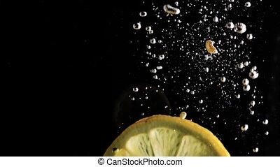 движение, медленный, лимон, falls, воды, background., черный