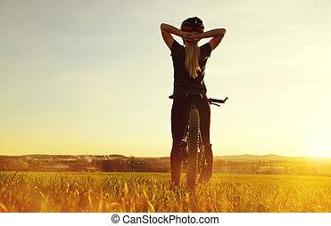 девушка, на, , велосипед, в, , sunset.