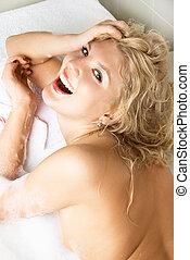 девушка, счастливый, принятие, ванна