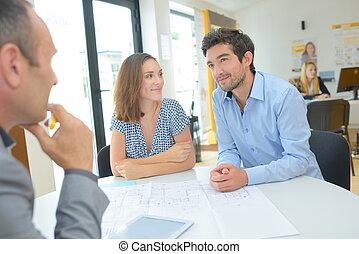 деловое свидание, встреча, архитектор