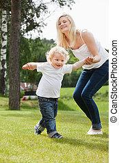 детка, мальчик, learning, ходить