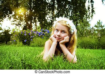 дитя, на, , газон