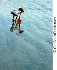 дитя, на, , пляж