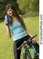 жаждущий, женщина, на, велосипед