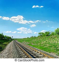 железная дорога, в, зеленый, пейзаж, and, синий, небо
