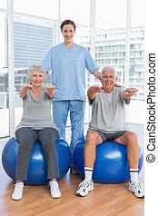 женский пол, терапевт, assisting, старшая, пара, with, exercises