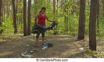 женский пол, picking, черный, мусор, доброволец, лесистая ...