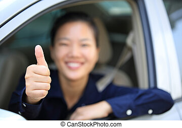 женщина, автомобиль, водитель, вверх, большой палец