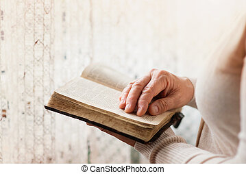 женщина, библия