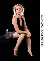 женщина, блондин, сидящий