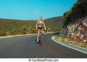 женщина, велосипедист, верховая езда, байк