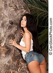 женщина, возле, камень