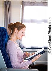 женщина, поезд, молодой, в то время как, книга, чтение