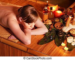 женщина, получение, массаж, в, бамбук, spa.