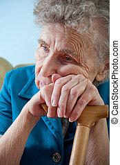 женщина, старшая