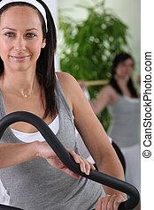 женщина, с помощью, упражнение, машина