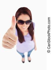 женщина, улыбается, солнечные очки