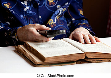 женщина, чтение, пожилой