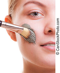 женщина, applying, face., кожа, маска, глина, spa., care.