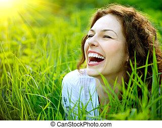 женщина, outdoors., наслаждаться, молодой, природа, красивая