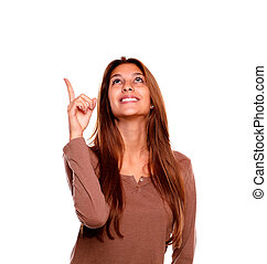 женщина, pointing, молодой, вверх, ищу, улыбается