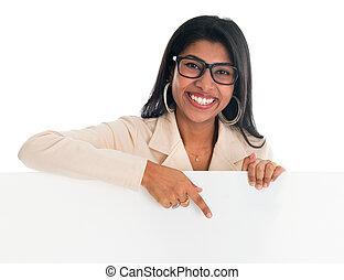 женщина, pointing, billboard., индийский, держа, пустой