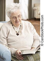 женщина, relaxing, книга, главная, старшая, чтение, стул