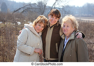 женщины, of, три, поколения, of, один, семья