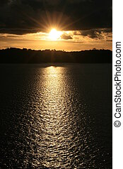 закат солнца, над, воды