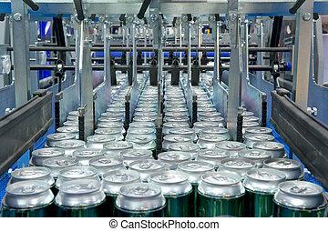 заполнение, of, напиток, cans