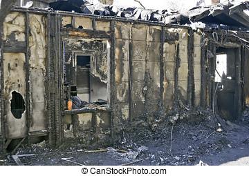 здание, сожженный