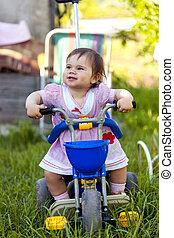 , игривый, веселая, девушка, на, ее, велосипед