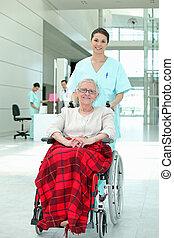 инвалидная коляска, pushing, пожилой, медсестра, леди, больница