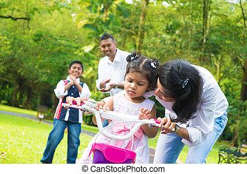 индийский, мама, обучение, немного, девушка, к, поездка, байк