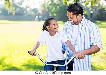 индийский, отец, обучение, дочь, к, поездка, , велосипед