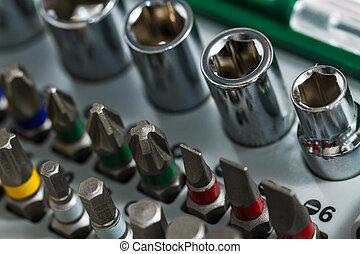 инструменты, металлические изделия, металл, за работой