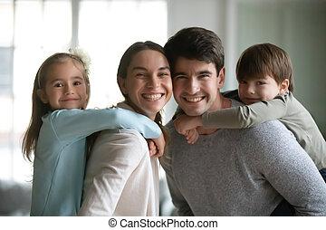 кавказец, семья, портрет, улыбается, немного, kids