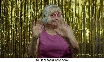 камера, старый, поговорка, старшая, дружелюбный, зубастый, руки, улыбка, приветствие, здравствуй, женщина, waving, ищу
