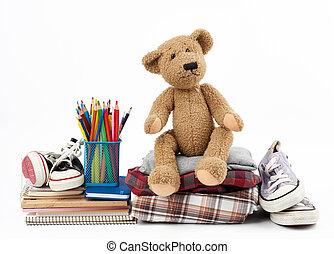 канцелярские товары, folded, коричневый, кроссовки, медведь, задний план, виды спорта, тедди, белый, одежда, стек