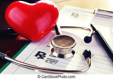 кардиолог, стетоскоп, бумага, страхование
