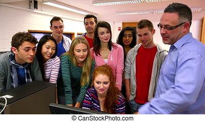 компьютер, преподаватель, pointing, что нибудь, вне
