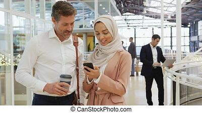 конференция, фойе, люди, смартфон, с помощью, бизнес