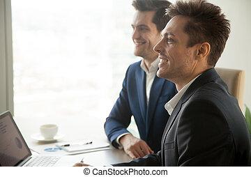 конференция, attending, businessmen, улыбается, внимательный, боковая сторона, встреча