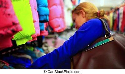 красивая, женщина, поход по магазинам, покупатель, clothes., ищу, indoors, model., женский пол, store., hd., блондинка, одежда, кавказец, 1920x1080