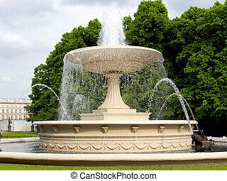 красивая, фонтан