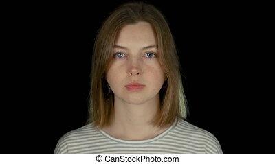 крупный план, студия, молодой, черный, long-haired, портрет, серьезный, девушка, кавказец