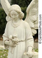 крупным планом, of, кладбище, ангел, статуя, держа, roses, болонья, италия