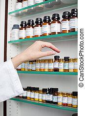 лекарственное средство, pharmacists, держа, бутылка, женский...