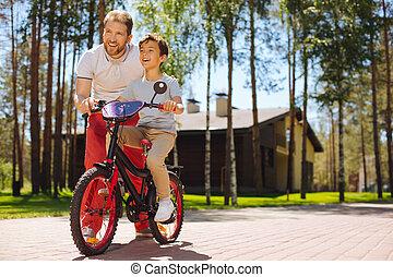 любящий, папа, обучение, his, сын, к, поездка, , велосипед
