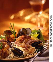 макаронные изделия, морепродукты